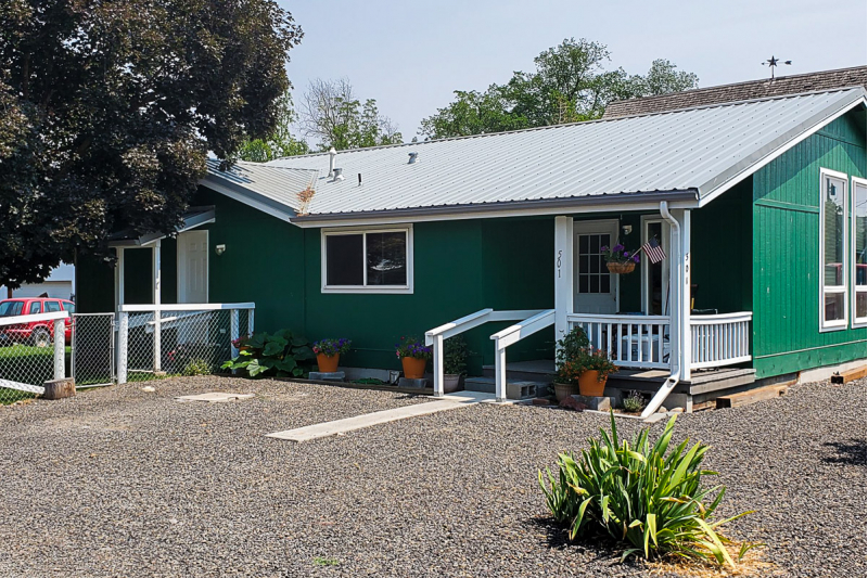 Beautiful Manufactured Home on .25 Acres in Lostine